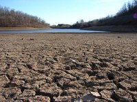 wikimedia-california-drought-dry-riverbeed-2009